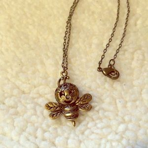 Bee 🐝 necklace